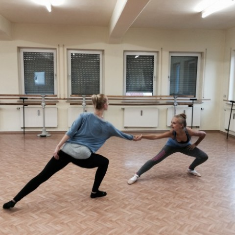 Fleißige Tänzerinnen bei Extra Proben in den Ferien