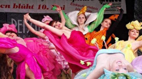 """Dancing School Tosca bei """"Memmingen blüht 2016"""""""