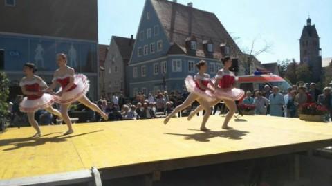 Dancing School Tosca beim Memminger Fischertag