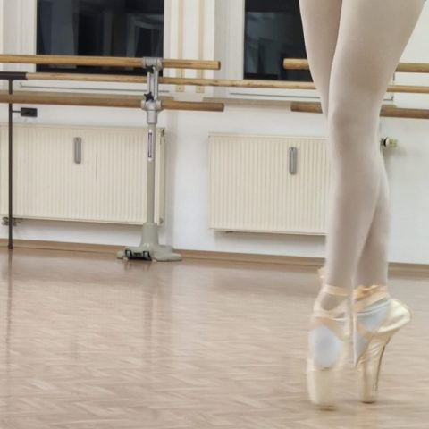 Neuer BALLETTGYMNASTIK-KURS in Memmingen